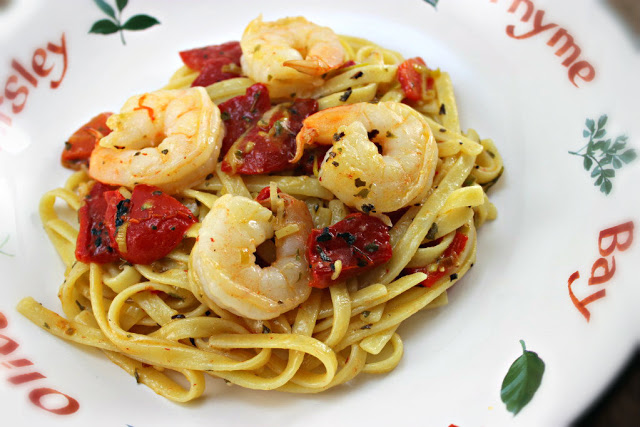 Shrimp with Roasted Red Peppers and Pasta
