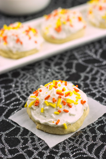 Almond Cookie | Cooking on the Front Burner #cookies
