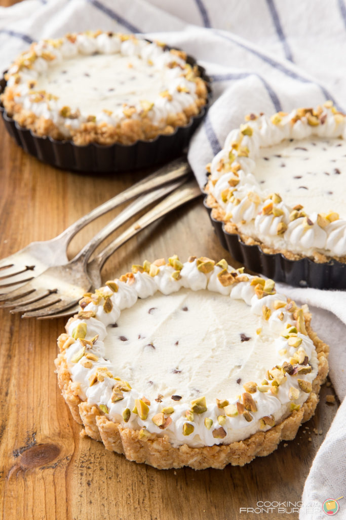No bake cannoli cheesecake, made for one! This mini cannoli cheesecakes recipe is simple to make, and because this is a no bake dessert recipe, you won't heat up your kitchen. | Cooking on the Front Burner