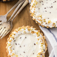 No Bake Cannoli Cheesecake