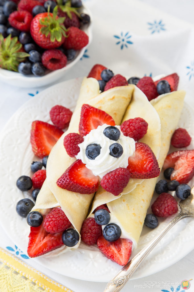 Easy Crepes with Berries and Lemon Curd