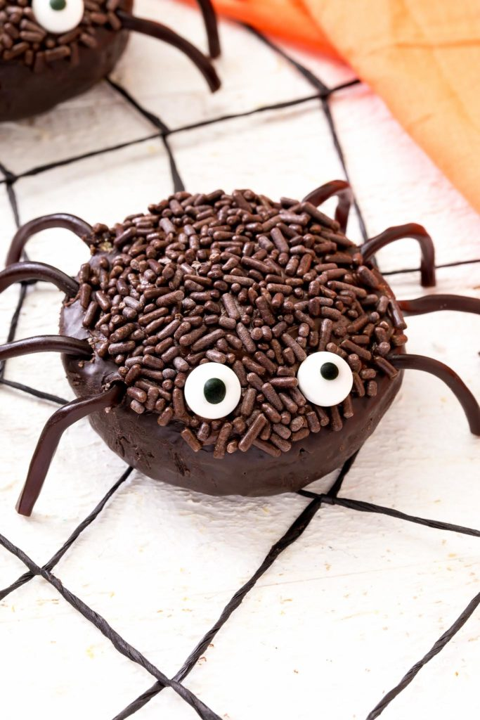 mini spider donut with jimmies