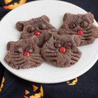 Super Simple Chocolate Black Cat Cookies