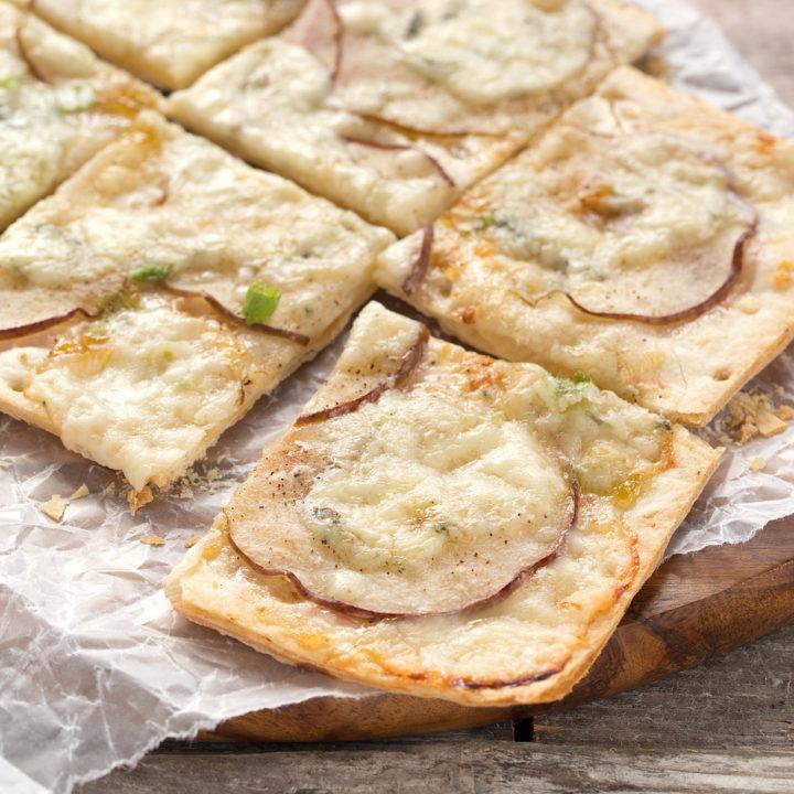 Pear Gorgonzola Flatbread