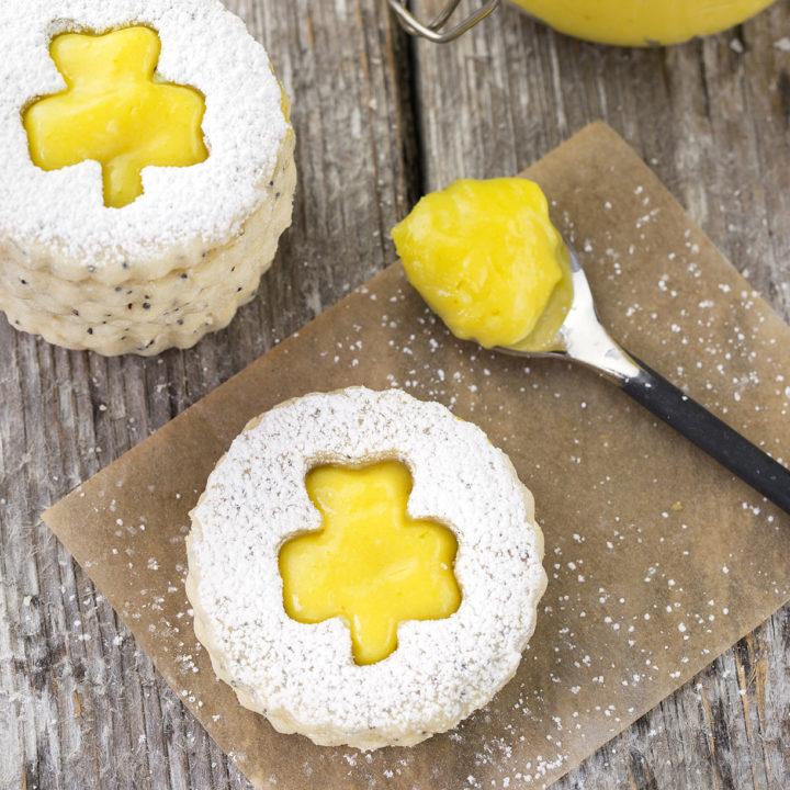Shamrock Linzer Cookies